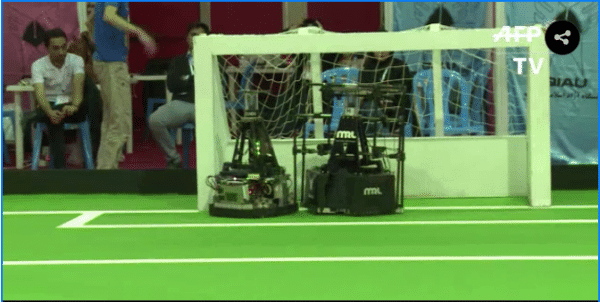 Los robots también juegan fútbol en Irán