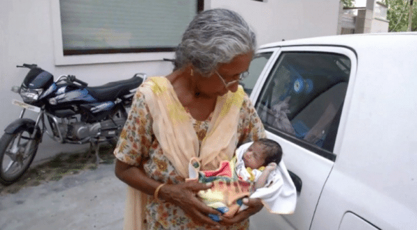 mujer india de 70