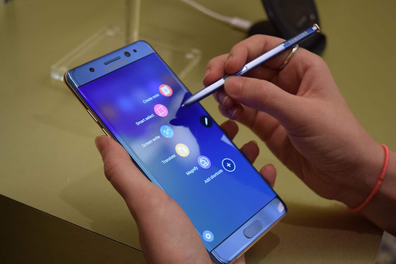 Samsung dejará de vender Note 7 y pide que no use