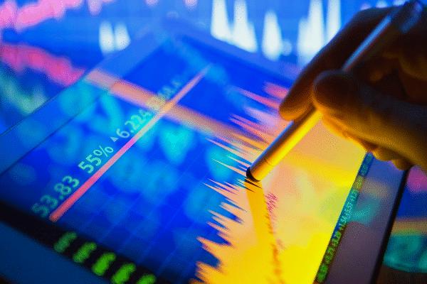 ¿Cómo puedo invertir en el mercado de FOREX?